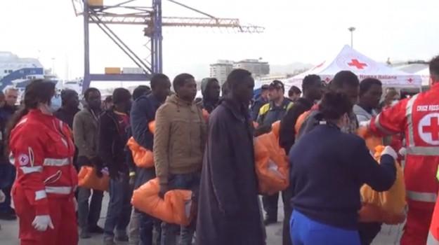 migranti a palermo, sbarco palermo, Palermo, Cronaca, Migranti e orrori
