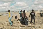 Le spiagge di Scicli ripulite dai migranti