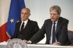 """Migranti e gestione delle Ong, Minniti pronto alle dimissioni ma Mattarella """"blinda"""" il ministro"""