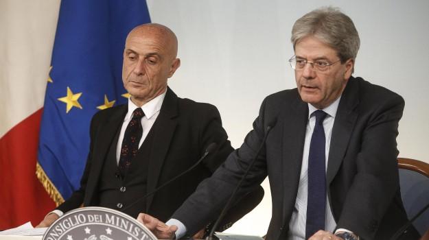 codice ong, migranti, Graziano Delrio, Marco Minniti, Sergio Mattarella, Sicilia, Politica