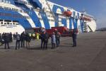 Traghetto Napoli-Palermo in fiamme. Paura a bordo, salve 188 persone