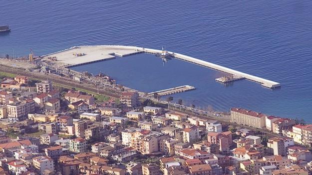 Collegamento veloce tra Reggio Calabria e Messina, trasporti marittimi, Domenico Battaglia, Messina, Politica
