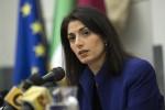 """Raggi non farà il """"bis"""" a Roma: regola del M5s vieta il terzo mandato"""