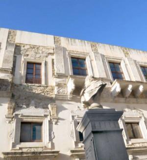 A Caltanissetta una collezione di abiti antichi a palazzo Moncada