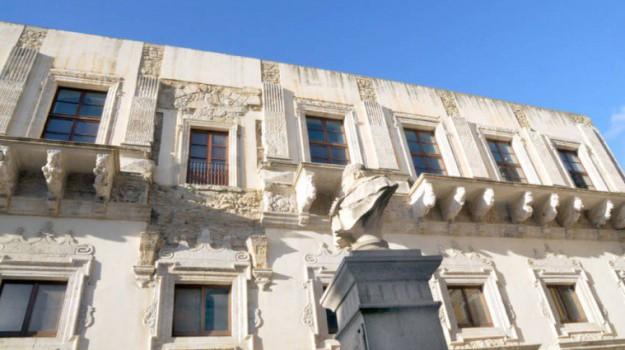 Caltanissetta palazzo Moncada collezione, Caltanissetta, Cultura