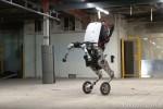 Dotato di gambe e ruote, salta oltre un metro: Google lancia Handle, il robot... acrobatico