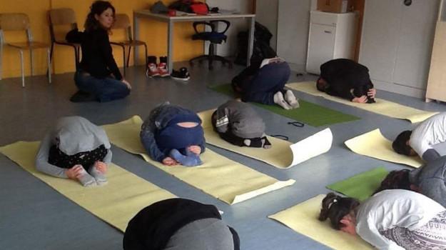 palermo yoga bambini, yoga in classe, yoga per bambini, Palermo, Società