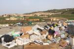 Cumuli di rifiuti a Camporeale, la segnalazione: temiamo per la nostra salute - Foto
