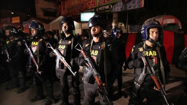 Bangladesh, Dacca, Isis, Sicilia, Mondo