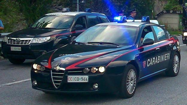 Turisti ubriachi devastano B&B ad Agrigento, intervengono i carabinieri