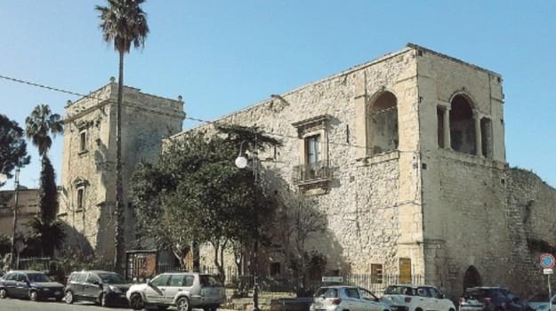 castello aragonese, comiso, Ragusa, Cultura