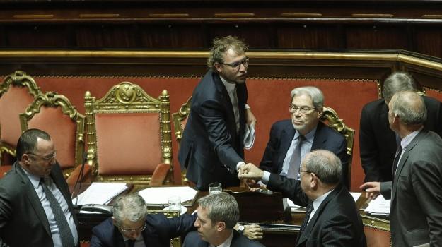 inchiesta consip, ministro dello sport, mozione di sfiducia, Luca Lotti, Sicilia, Politica