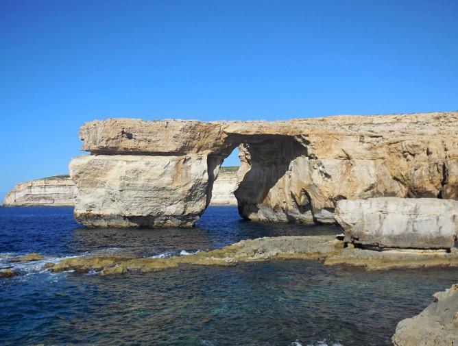 Malta crollata la finestra azzurra l 39 arco fu lo sfondo del trono di spade foto - La finestra azzurra gozo ...