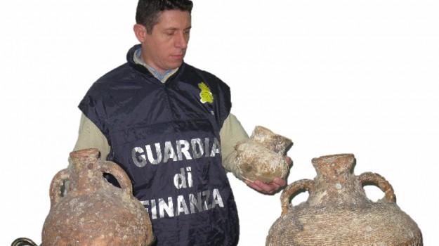 denuncia, reperti archologici, sequestro, Agrigento, Cronaca
