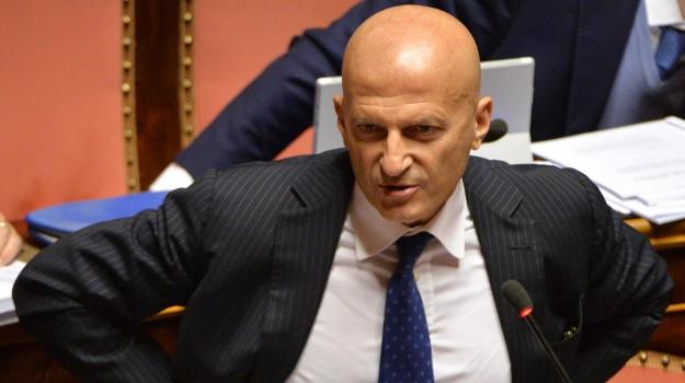dimissioni senato, forza italia, Senato, Augusto Minzolini, Sicilia, Politica