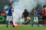 """Lancio di petardi dalla curva ospite, al """"Renzo Barbera"""" Italia-Albania sospesa per 8 minuti"""