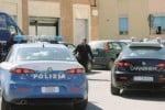 Armati rapinano supermercato e scappano, cassiere ferito a Palermo