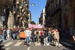 Aule a rischio chiusura, protestano gli studenti del liceo Dolci di Palermo