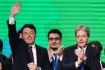 """Renzi chiude la kermesse al Lingotto: """"Qualcuno ha cercato di distruggere il Pd, ma siamo solidi"""""""