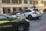 Vittoria, beni per 1,3 milioni sequestrati a un'azienda: anche Porsche e Rolex