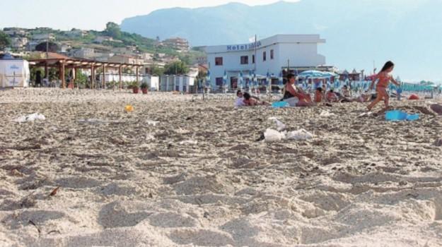 spiaggia alcamo marina, Trapani, Economia