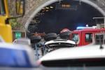 Tir si ribalta e travolge un cantiere, due operai morti: arrestato l'autista - Le immagini dalla A10