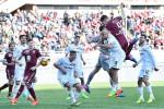 Tre gol in soli 8 minuti, l'ex Belotti firma la rimonta e condanna il Palermo