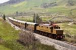 """Ad Agrigento tornano i treni storici: a bordo delle """"littorine"""" verso il Mandorlo in fiore"""