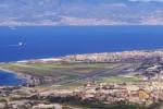 Cenere dell'Etna fino allo Stretto, chiuso l'aeroporto di Reggio Calabria