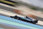 Gp del Bahrain, prima fila Mercedes: Vettel partirà terzo