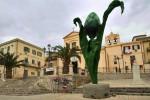 Compie 30 anni il monumento al Carciofo: festa a Cerda per la sagra