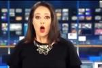 Non si accorge di essere di nuovo in onda: la reazione tutta da ridere di una conduttrice