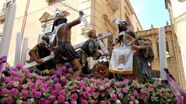 Processione dei Misteri a Trapani, Trapani, Cronaca