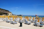 Conto alla rovescia, domenica aprono le spiagge attrezzate a Mondello