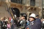 La sfilata della Real Maestranza apre i riti pasquali a Caltanissetta