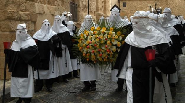 Palazzo dei Normanni, processioni, Settimana santa, Enna, Palermo, Cultura