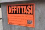 Uno stand dell'agenzia delle Entrate a Catania contro gli affitti in nero