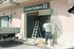 Siracusa, bancomat sradicato con una gru: bottino da 56 mila euro