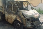 Camion distrutto da un incendio a Siracusa: intimidazione a imprenditore