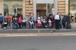 """I disabili incontrano Mattarella a Palermo: """"Nuove leggi, il presidente parli alle Camere"""" - Video"""