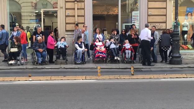 disabili, Palermo, teatro biondo, Sergio Mattarella, Sicilia, Cronaca