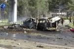 Siria, esplosione vicino ai bus dei profughi in fuga: è strage
