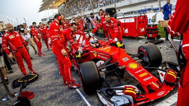Ferrari, formula 1, Gp Bahrain, Mercedes, Lewis Hamilton, Sebastian Vettel, Sicilia, Sport