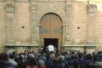 Castelvetrano, lacrime e dolore per l'ultimo saluto a Dalila
