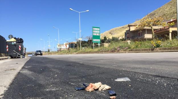 morto, Palermo, sangue, scooter, strade, via Nicoletti, Palermo, Cronaca