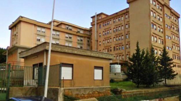 aggressioni in ospedale, medici picchiati, pronto soccorso, Caltanissetta, Cronaca