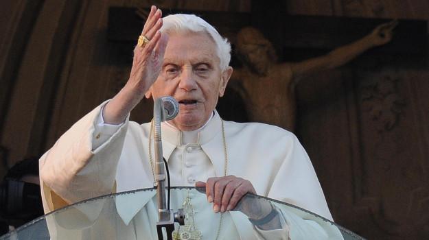 papa, Joseph Ratzinger, Sicilia, Società