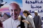 """Papa in Egitto, messaggio a Mattarella: """"Sarò pellegrino di pace"""""""