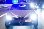 Avvocato sorprende tre ladri in casa, spara e ne uccide uno