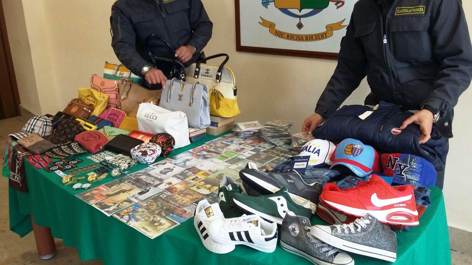 a57fef410431 Seimila prodotti falsi sequestrati a Catania, scattano 5 denunce ...
